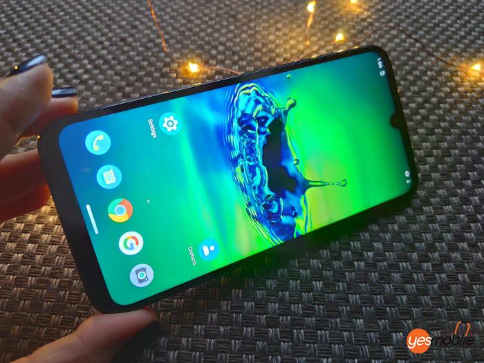 Motorola-G8-Plus-Display