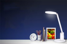 Huawei Smart Desk Lamp 2 launched with an ergonomic design, zero blue light