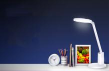 Huawei Smart Desk Lamp 2 launched with an ergonomic design, zero blue light