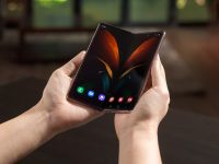 Over 5.1 million foldable and rollable phones expected in 2021 from 8 different brands: DSCC