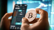 11% of Central Bankers Consider 'Cryptocurrencies Like Bitcoin' Gold Alternatives: UBS Survey