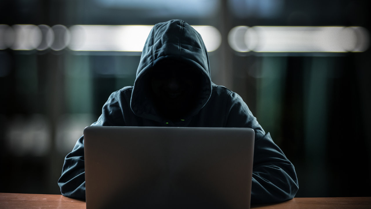 Coinbase Reveals Massive Hack of User Accounts: Over 6,000 Customers Lost Funds
